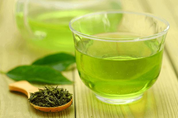 kem chống nắng làm từ trà xanh